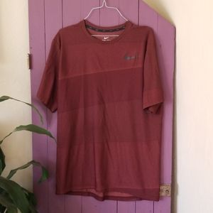 Mens Nike dry fit maroon shirt size XL